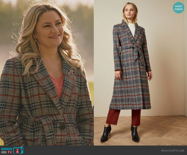 Bijour Coat by Ted Baker worn by Alice Cooper (Mädchen Amick) on Riverdale
