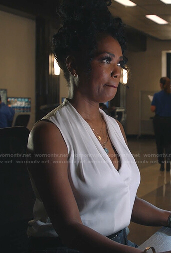 Claudette Collins's white sleeveless top on 9-1-1