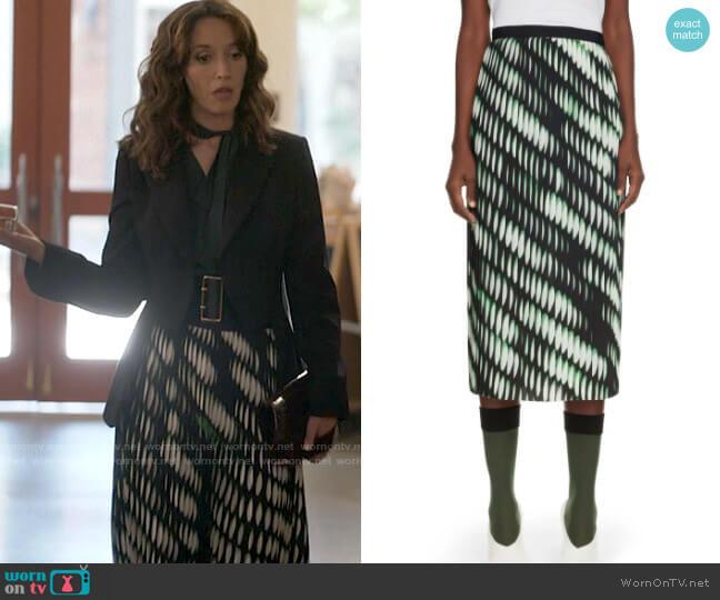 Dries van Noten Sarean Print Pleated Skirt worn by Bette Porter (Jennifer Beals) on The L Word Generation Q