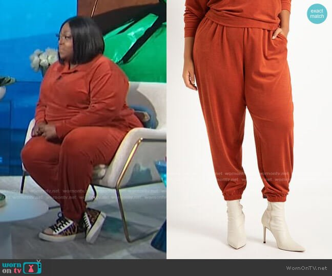Corduroy Jogger by Eloquii worn by Loni Love  on E! News