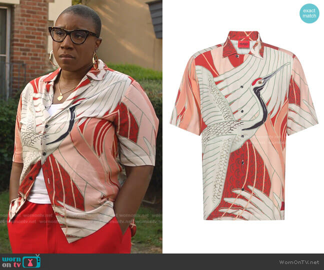 Efab Short-Sleeve Print Shirt by Hugo Boss worn by Henrietta Wilson (Aisha Hinds) on 9-1-1