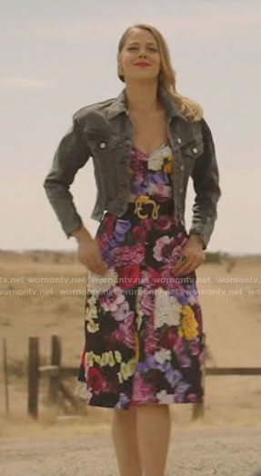Liz's polka dot crop top and bomber jacket on Roswell New Mexico