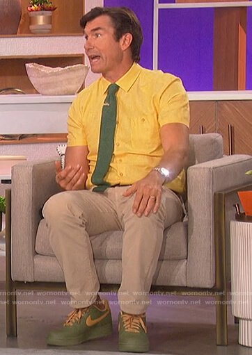 Jerry O'Connell's yellow shirt on The Talk