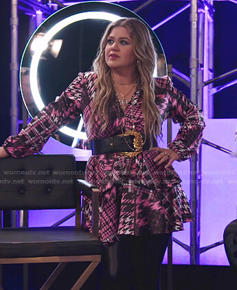 Kelly's pink houndstooth ruffle mini dress on The Voice