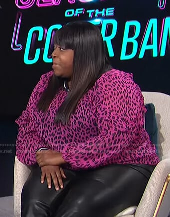 Loni's pink leopard ruffle blouse on E! News Daily Pop