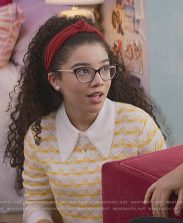 Mary-Anne's yellow pointelle knit sweater on The Baby-Sitters Club