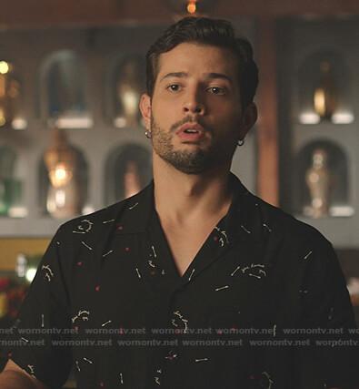 Sam's black arrow print shirt on Dynasty