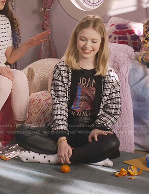 Stacey's black Duran Duran print tee on The Baby-Sitters Club