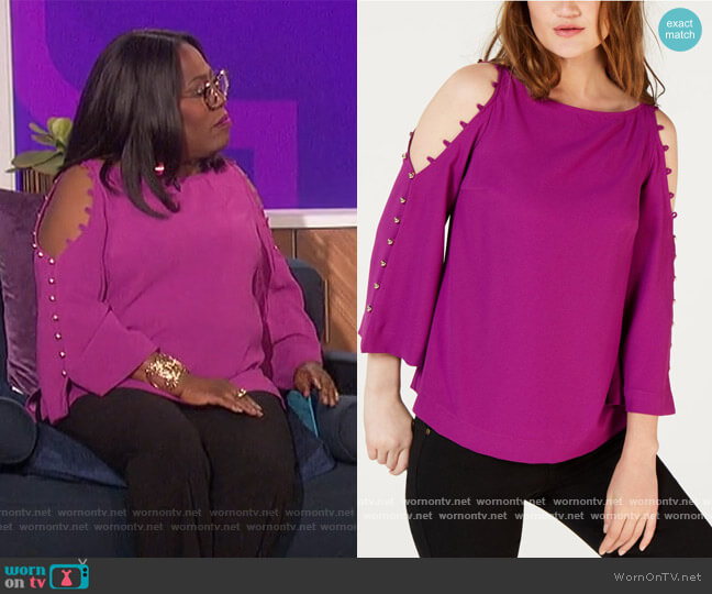 Amor Cold Shoulder Button Detail Top by Trina Turk worn by Sheryl Underwood  on The Talk