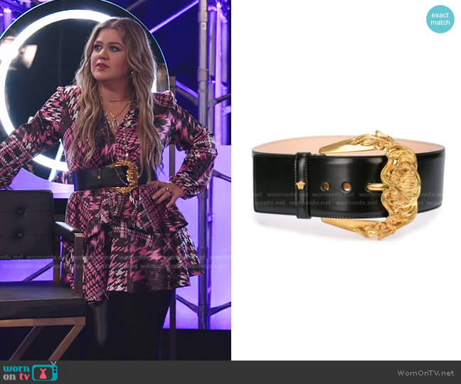 Runway Wide Leather Belt with Golden Buckle by Versace worn by Kelly Clarkson  on The Voice